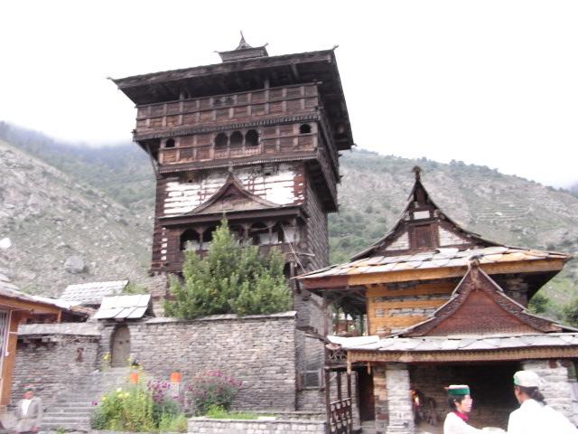 カムル村の塔