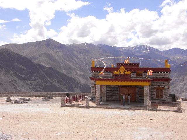 ナコ村、ダライラマ法王の新寺院