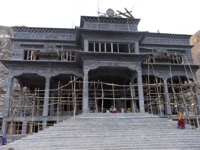 新サキャ寺