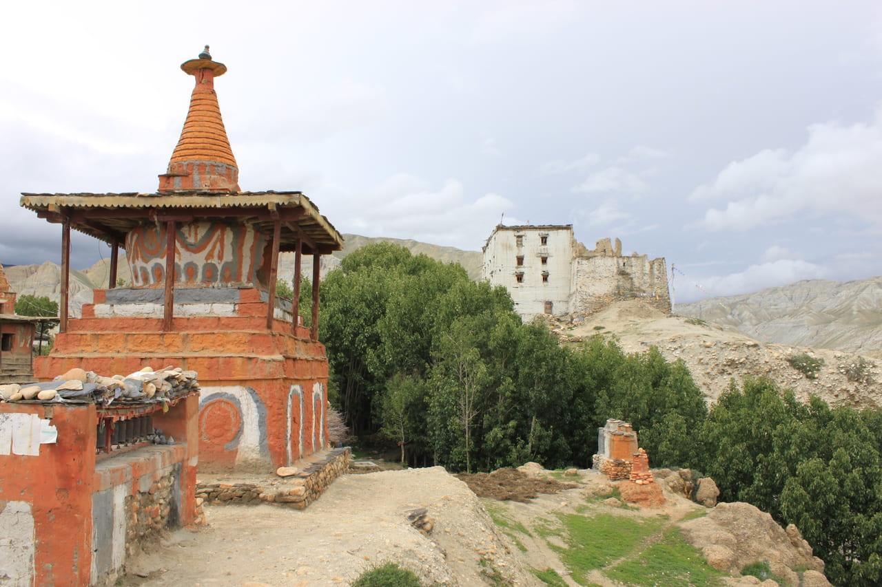 ツァランのゴンパから見た王宮跡