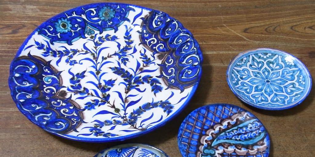 青が有名はリシタンの陶器