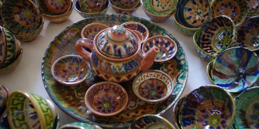 ギジュドゥバンの陶器