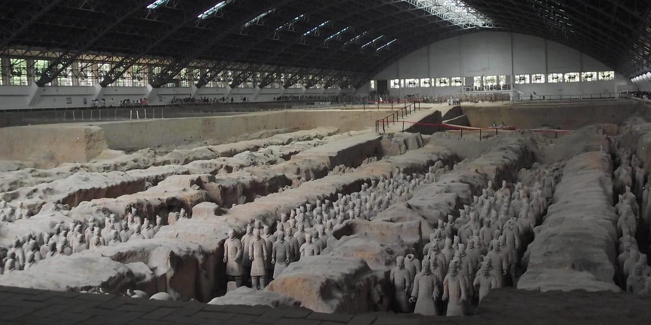 2,000年の眠りから覚めた兵馬傭は圧巻(西安)