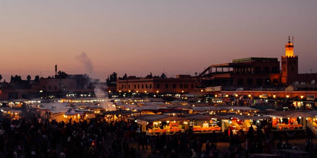 夕暮れのジャマ・エル・フナ広場