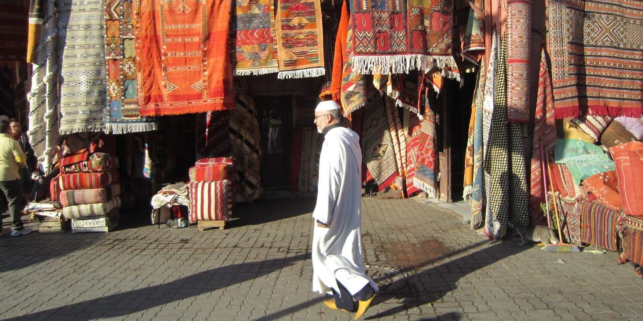 マラケシュのメディナ内 絨毯のスーク