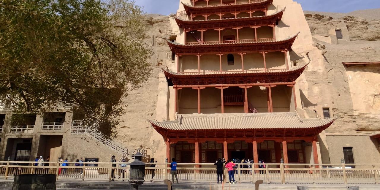 砂漠の大画廊と称される敦煌の世界遺産 莫高窟