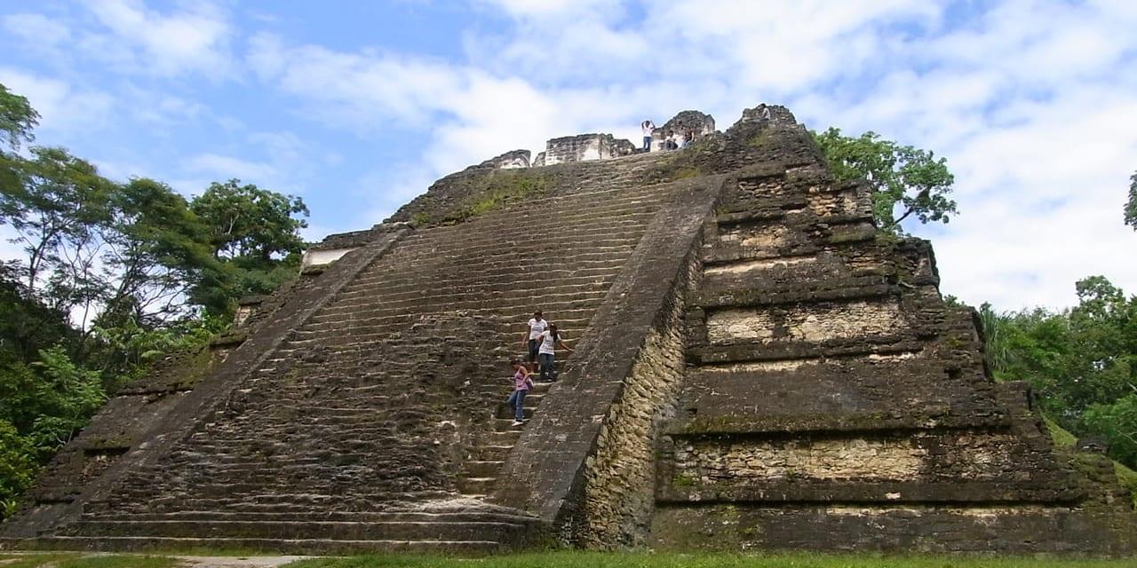 ティカルでも最も古い建築郡のあるその名も「失われた世界」