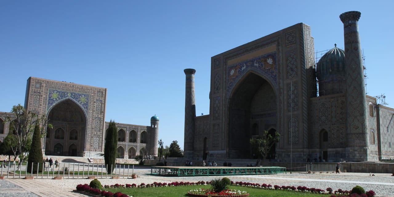 チンギスハーンが破壊したサマルカンドをティムールが再建、その礎ともなったレギスタン広場