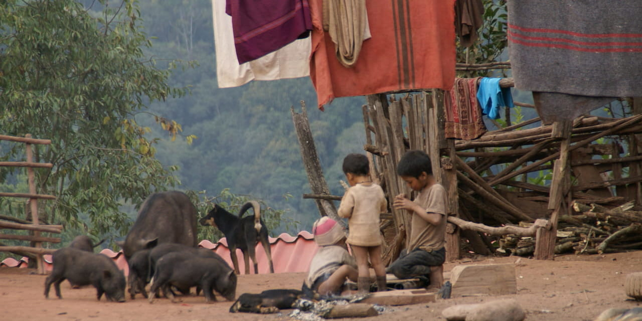 アカ族の暮らす村(ラオス ルアンナムター)