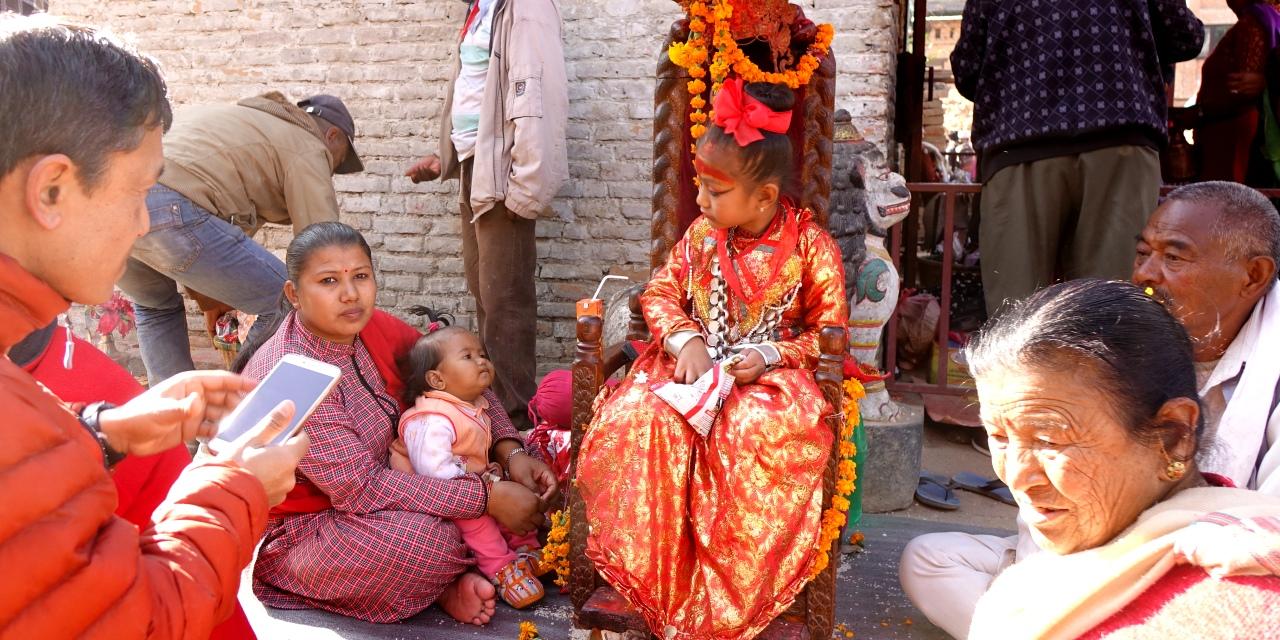 ヒンドゥ教の生き神クマリは仏教徒の娘が務める(ブンガマティ)