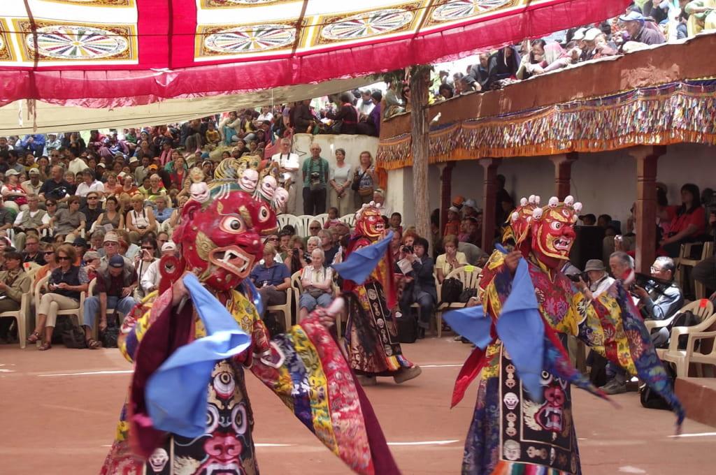 タクトク・ツェチュ、護法神の舞。