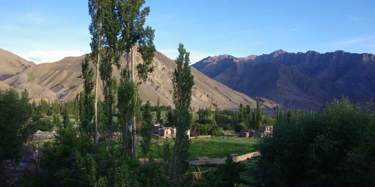 本館から見えるニンム村の風景