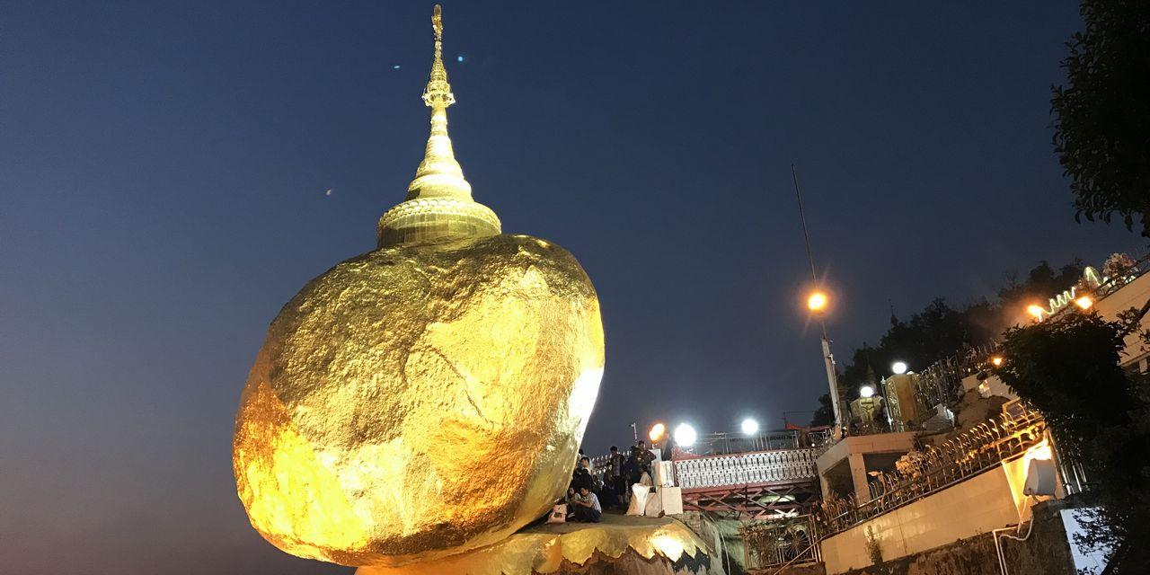 3月輝きを取り戻したゴールデンロック(ミャンマー)
