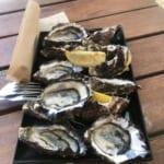 生牡蠣はレモンを絞るだけのシンプルな食べ方が一番!