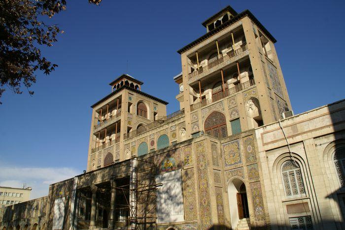 テヘランの町の中心部にあるガージャール朝時代からのゴレスターン宮殿