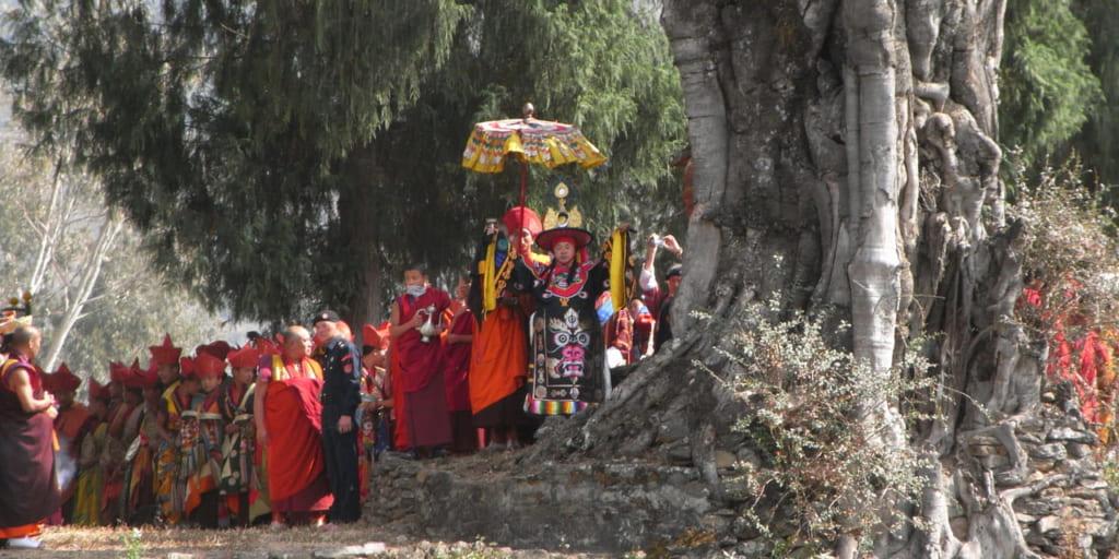 ドムチェ祭でシャプドゥンに扮する 大僧正ジェ・ケンポ