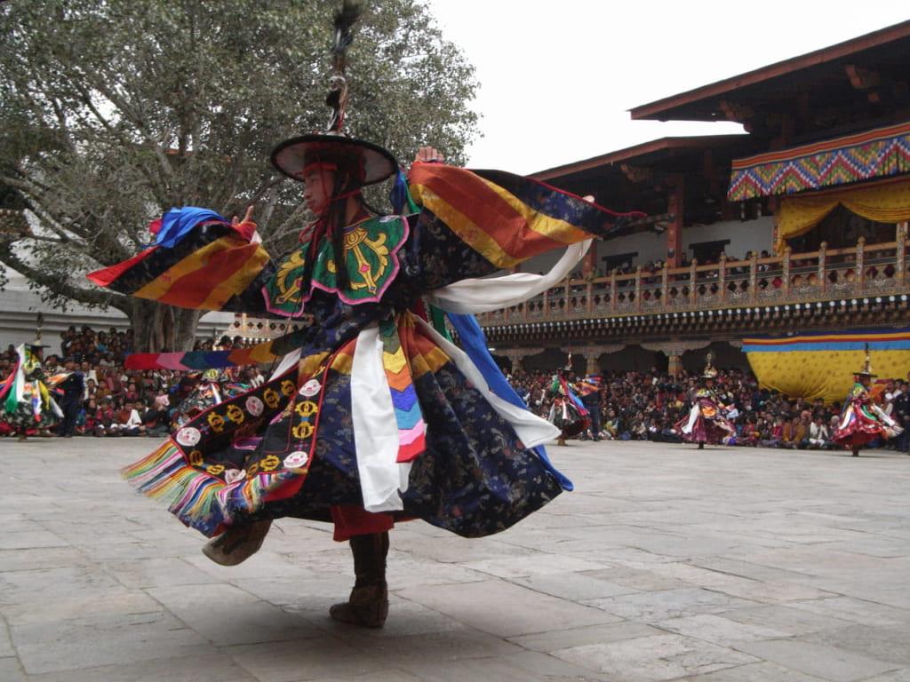 シャナ(黒帽の舞)。プナカ・ツェチュにて