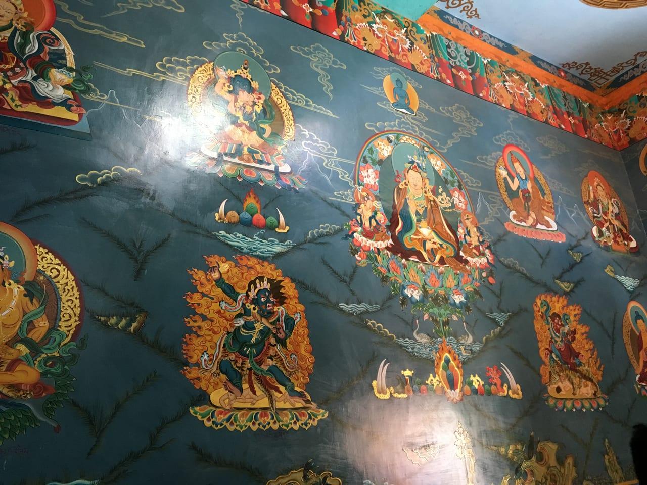 マニ堂の中の壁画