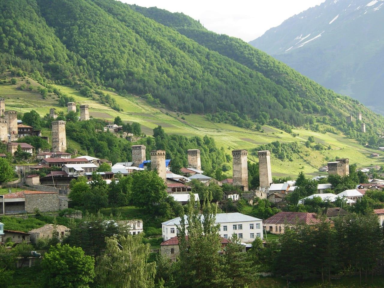 町はずれには塔の家が何軒も残っていて見学できます。