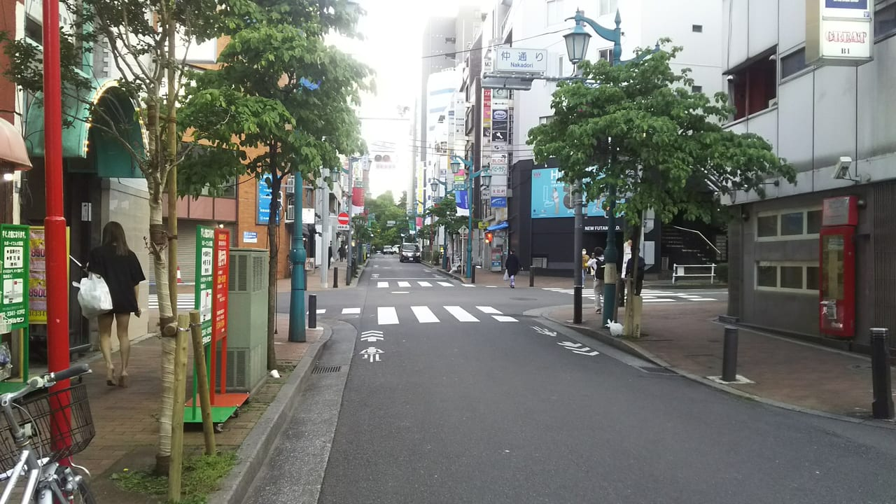 新宿仲通り1