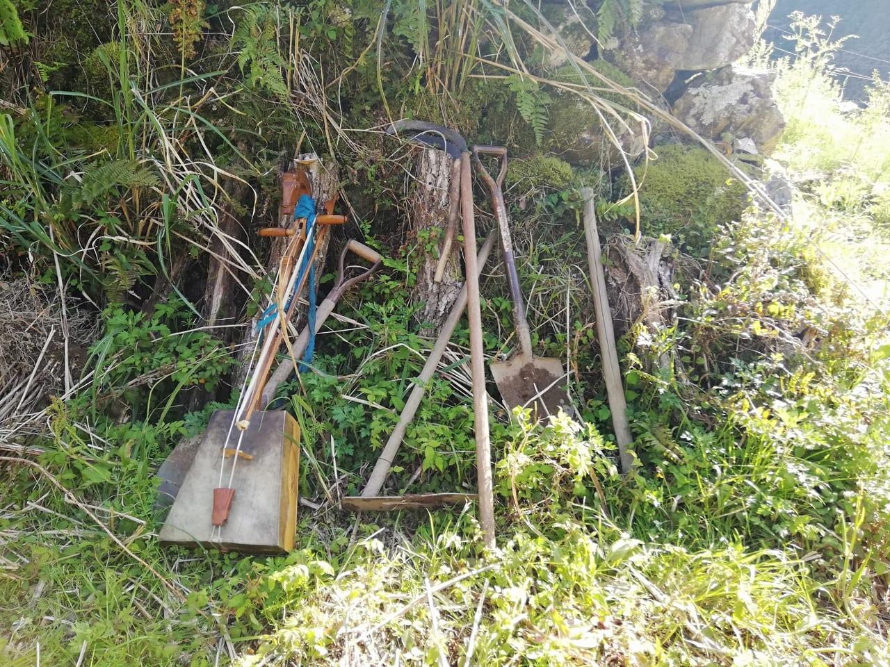 開墾農具と馬頭琴
