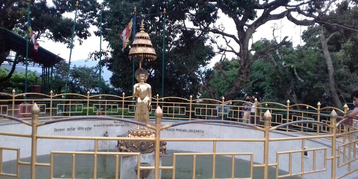 噴水のブッダ像