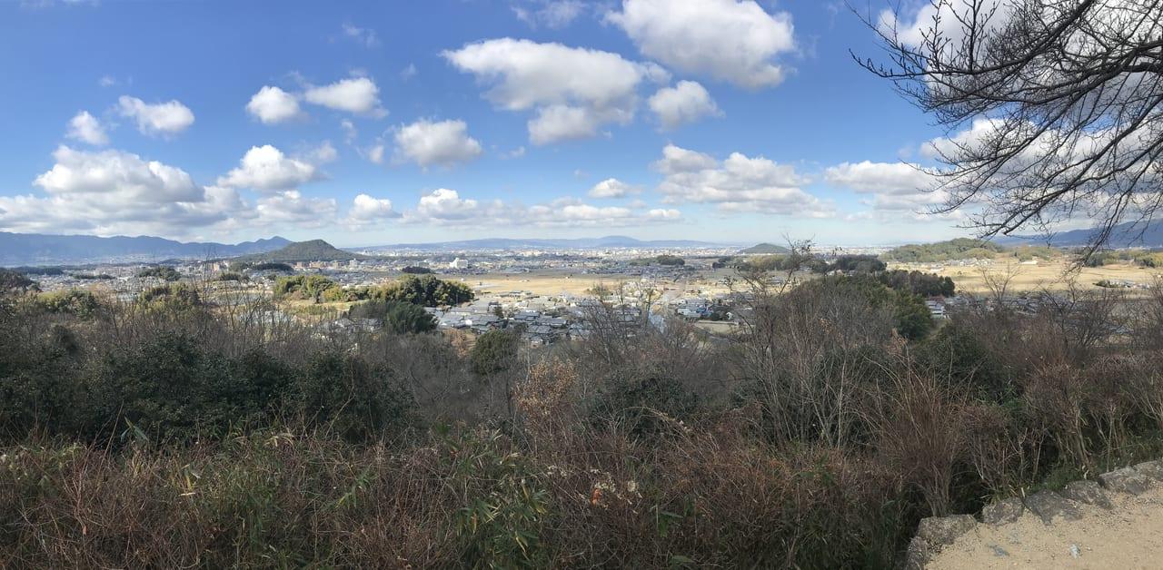 明日香甘樫丘から大和三山を望む(左から畝傍、耳成、天香久山)