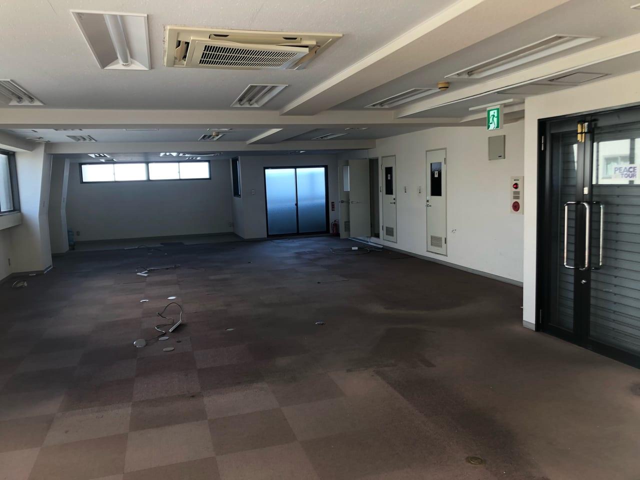 仕事道具一式を運び去った後のPIT早稲田旧オフィス