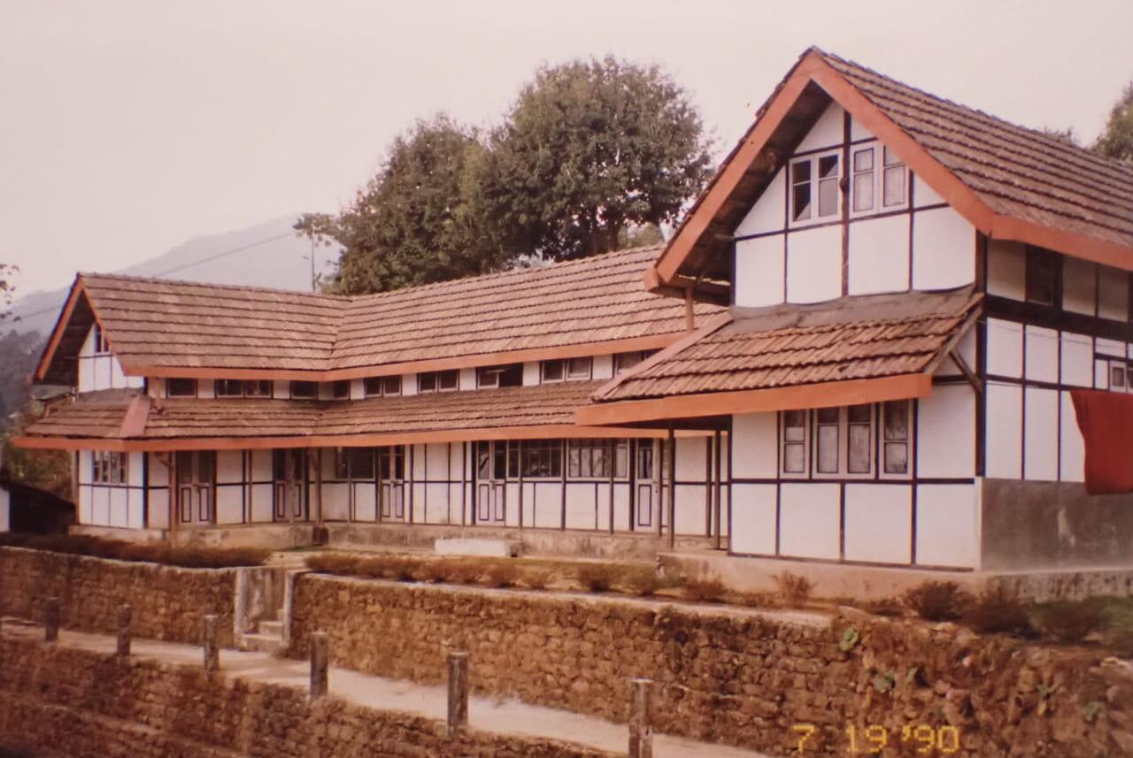 チャクポリ医学院 2000年撮影