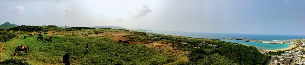 遥か海を見下ろす「天上の草原」