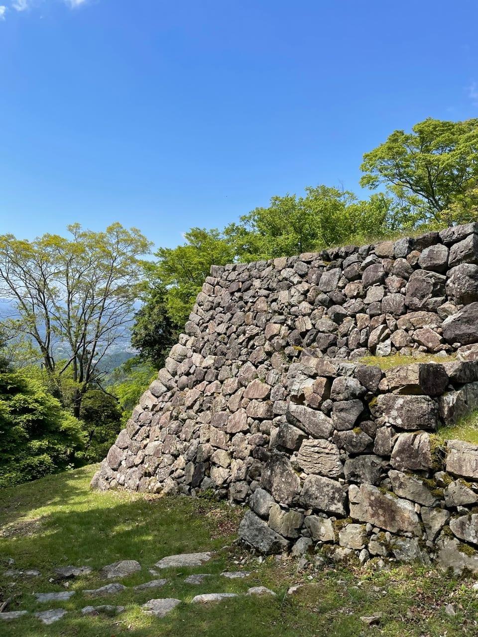 天守から奈良盆地が望める