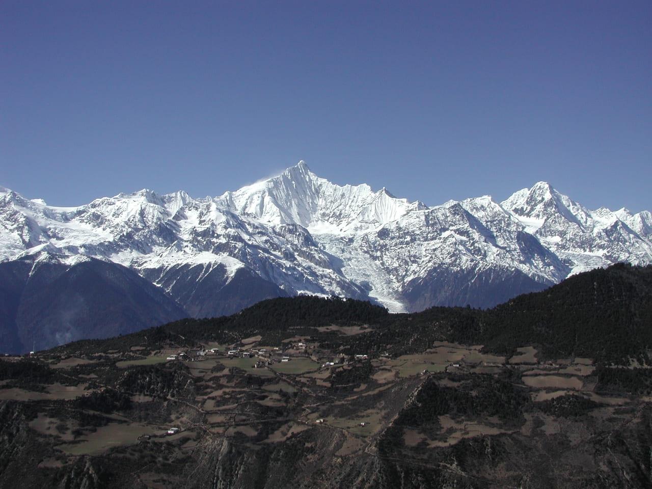梅里雪山(チベット名カワカブ)